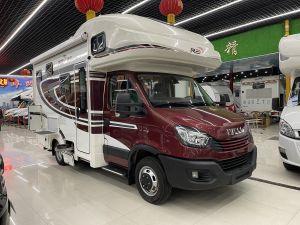 瑞弗 依维柯 欧胜自动挡3.0T柴油V820双拓展房车